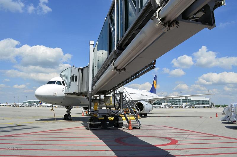 39/68 Projekt Flughafen München - PCA-Technik