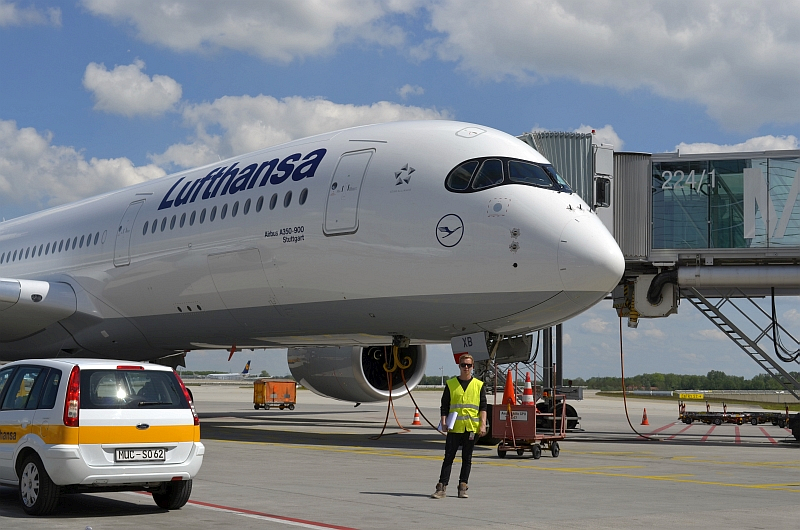 44/68 Projekt Flughafen München - PCA-Technik