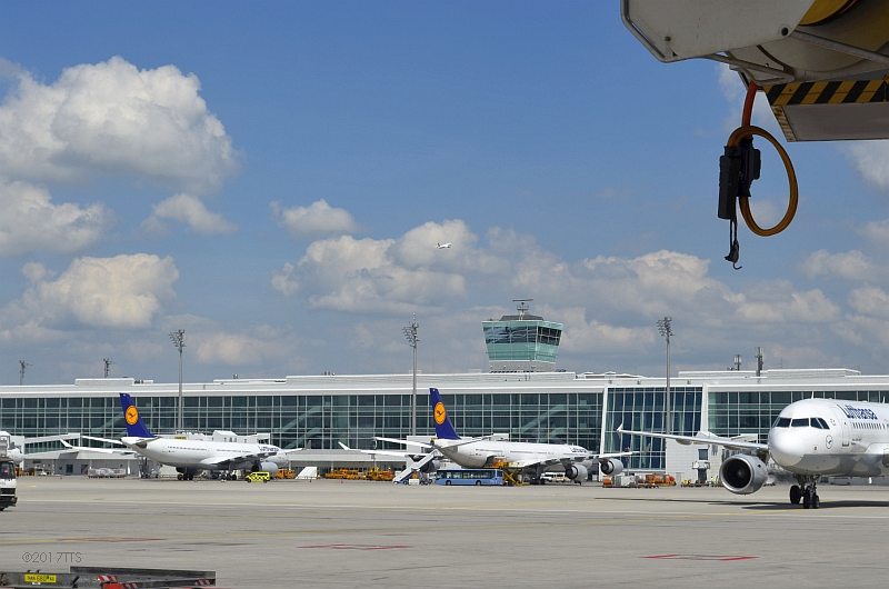 54/68 Projekt Flughafen München - PCA-Technik