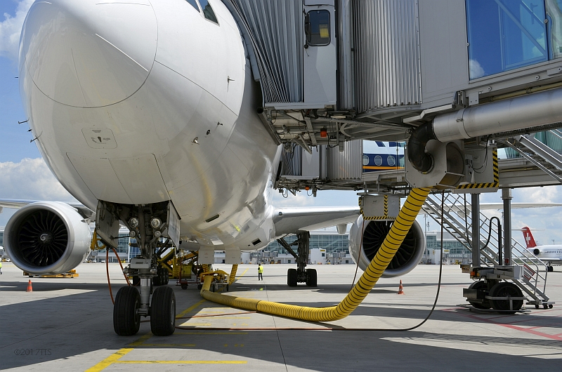 57/68 Projekt Flughafen München - PCA-Technik